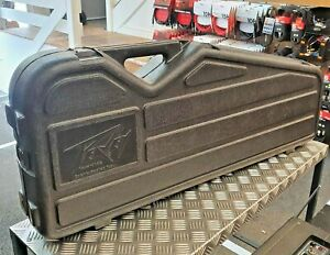 Peavey-Electric-Case-contoured-plastic-hard-case-for-electric-with-built-in-amp