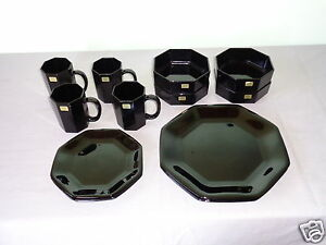16 PC SERVICE FOR 4 ARCOROC OCTIME OCTAGON BLACK GLASS CHINA FRENCH ...