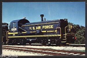US-Air-Force-034-Titan-III-034-Switcher-2000-train-railroad-postcard