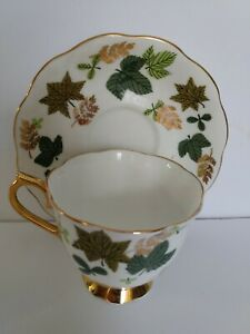 Royal-Albert-Lustre-Tea-Cup-amp-Saucer-Gold-Gild-Trim-with-Leaves-England
