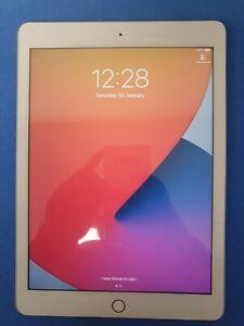 """Apple iPad 6th Gen 32 Go Wi-Fi 9.7"""" A1893 couleur argent très bon Touch ID Travail"""