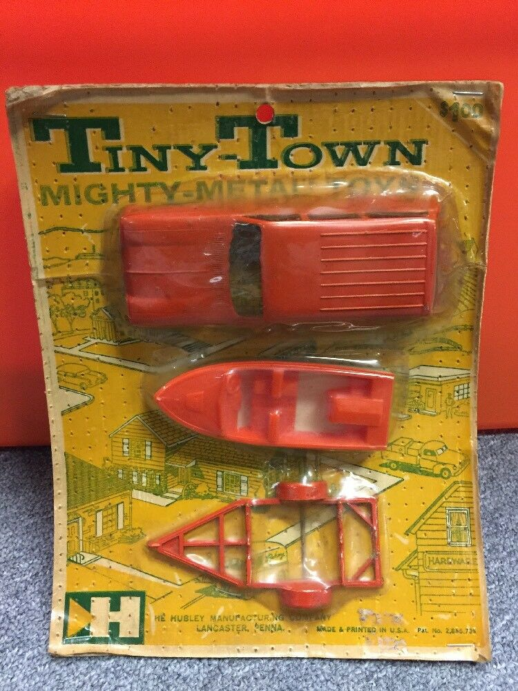 Hubley Tiny-Town New Old Stock Auto Boat And Trailer Set Never offened