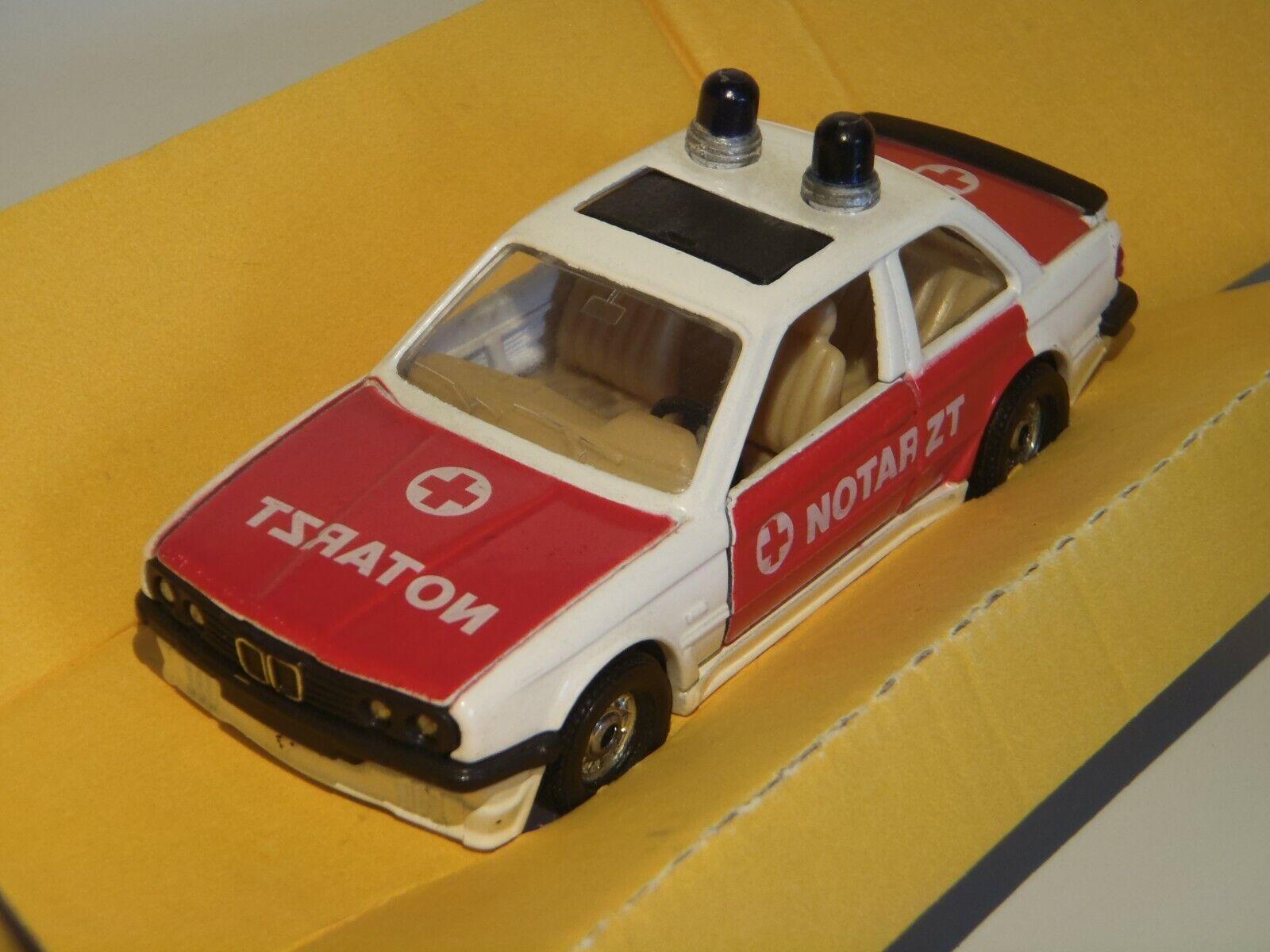 Corgi C353 3 BMW 325i Notarzt (doctor) export allemagne en boîte 1 36 1986