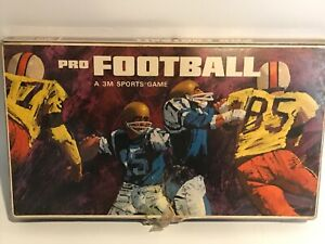 Vintage-Pro-Football-a-3M-Sports-Game-COMPLETE-1967-Tabletop-Board-Game-RARE