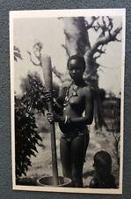 CPA. Afrique Occidentale Française. 213. Sénégal. Pileuse de MIL.