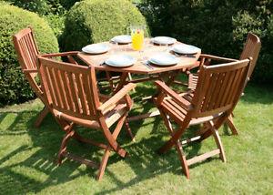 Set tavolo da giardino pieghevole 4 sedie in legno for Set giardino esterno