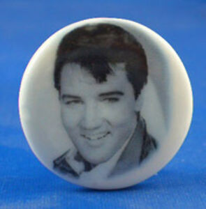 1-034-PORCELAIN-CHINA-BUTTON-EARLY-ELVIS-PRESLEY
