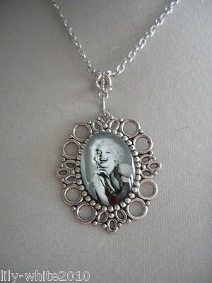 "Marilyn Monroe Necklace - Ladies Picture Pendant Necklace - 18"" Chain Necklace"