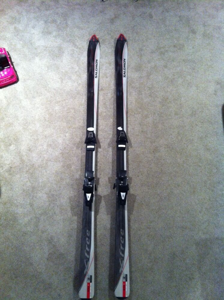 SALOMON X-FREE 7 SHAPED 184 CM SKIS W/ SALOMON 500 ADJUSTABLE BINDINGS
