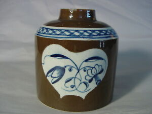 Batavian-Leeds-Pearlware-Caddy-18th-century-blue-Chinese-Export-Staffordshire