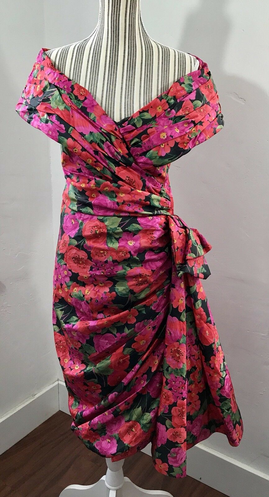 VICTOR COSTA Vintage Sz 8 Floral Off-The-épaule soirée Robe de Bal Occasion Robe