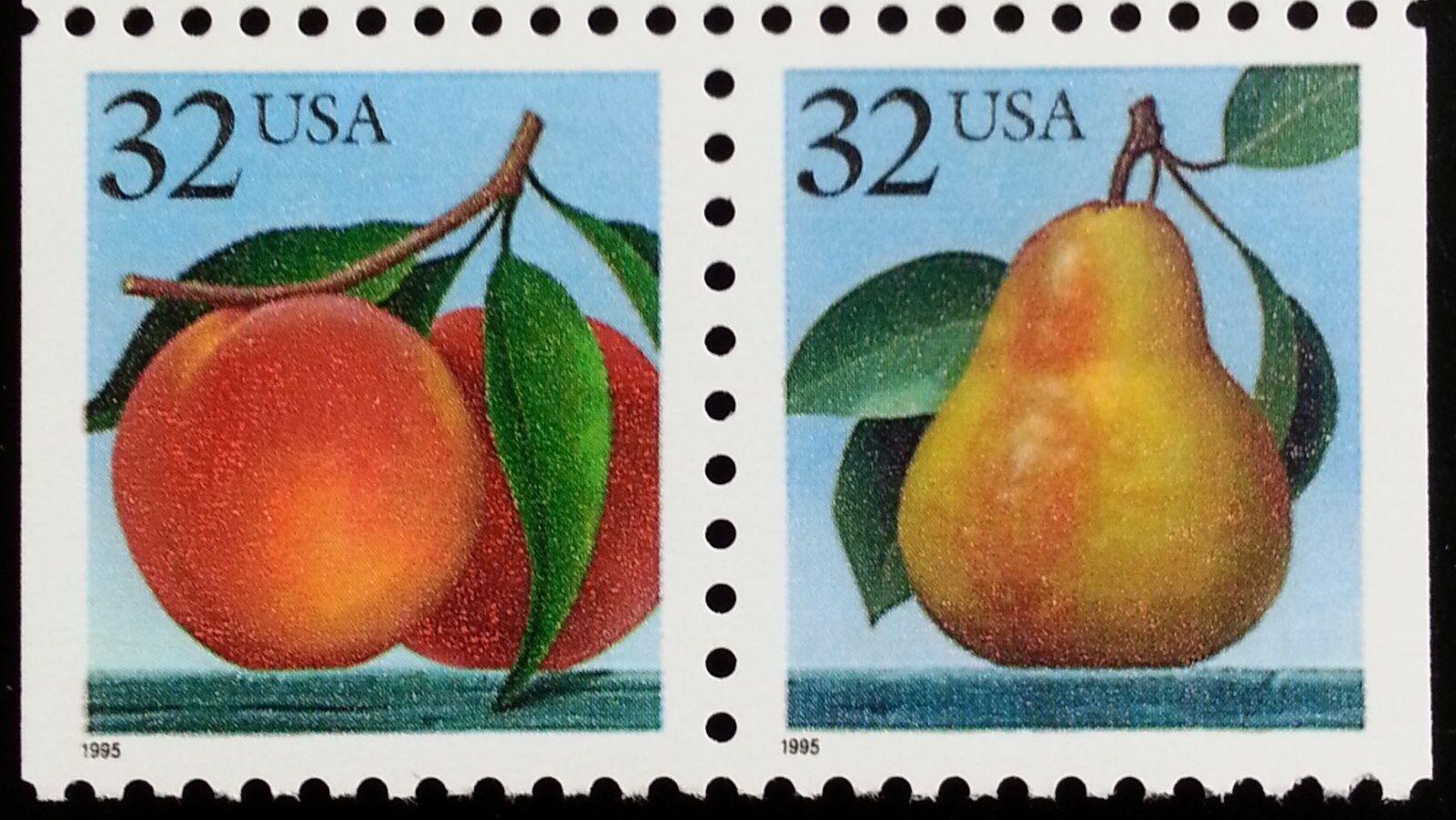 1995 32c Peach & Pear, Attached Pair Scott 2487-88 Mint