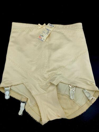 Vtg NWT Ultratoner By Poirette Shaping Panties Bri