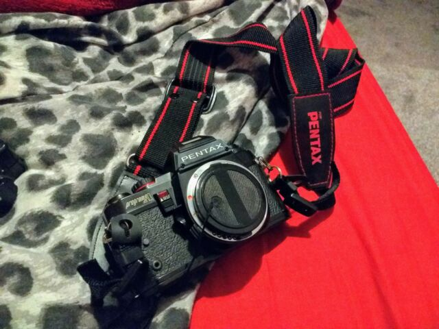 Pentax Program una fotocamera SLR con flash