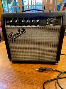 Fender Frontman 15G Amp Guitar Practice Amplifier 38 Watt PR 495