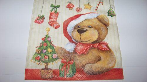 4 Servietten Weihnachten Teddy mit Weihnachtsbaum