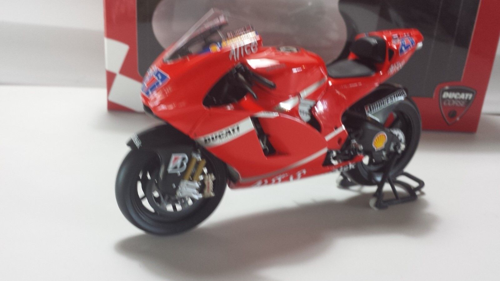 Casey Casey Casey Stoner. Ducati Desmo16 GP7. Desmosedici MotoGP 2007. Minichamps 1 12 a51683
