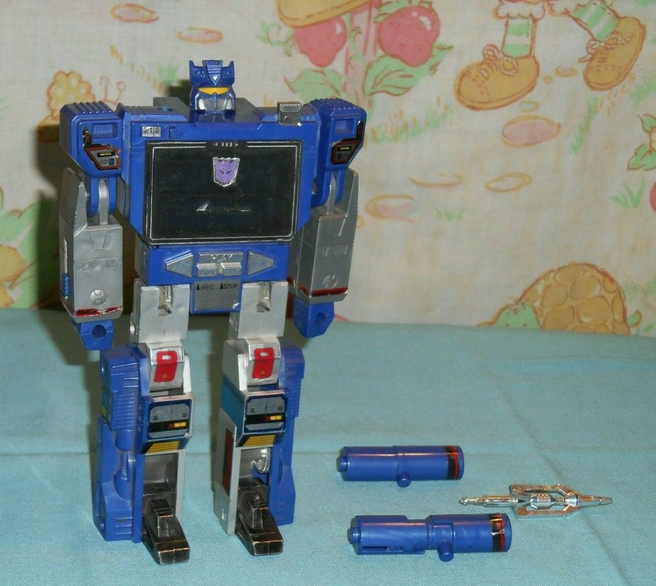 Original G1 Transformers SOUNDWAVE NEAR COMPLETE