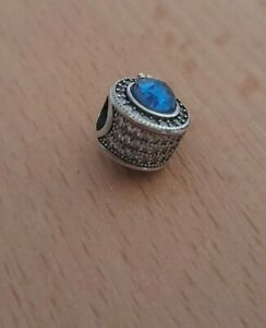 Sparkling Signature Blue Crown Charm with cubic Zirconia stones S925ALE