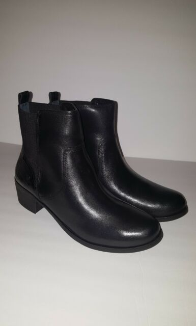 a37942ddca6 UGG Australia Cordovan Keller Croco Leather Size 8 Ankle Boot Black 1013707