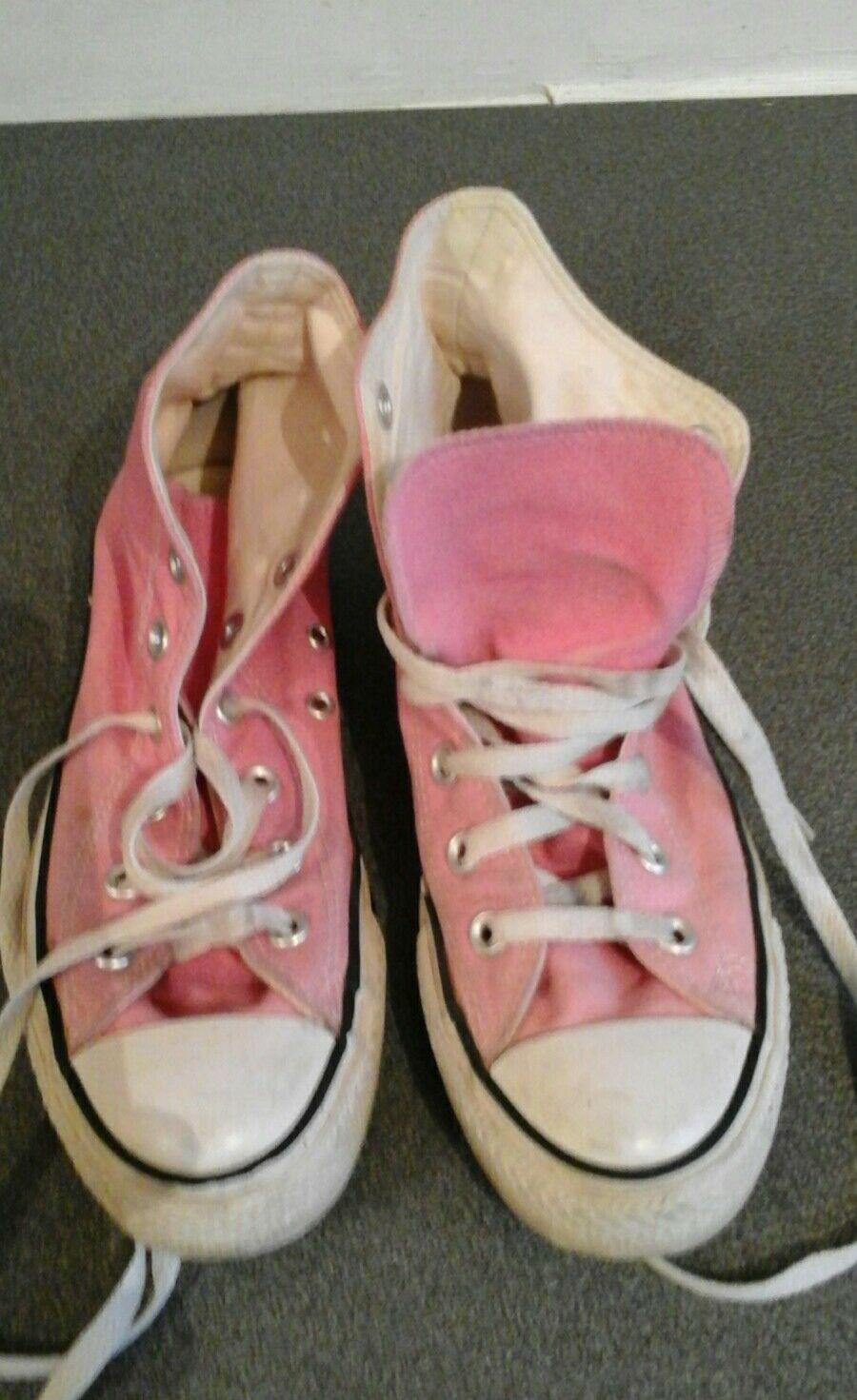 Converse marks pink, used, UK5, surface marks Converse and wear shown 23afe7