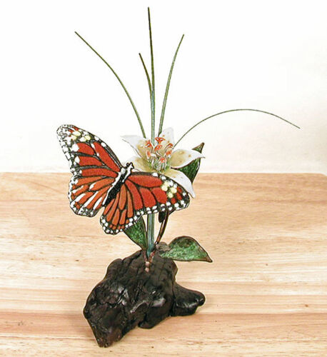 MONARCH BUTTERFLY WITH WHITE LILY TABLETOP SCULPTURE SCULPTURES WOOD /& METAL