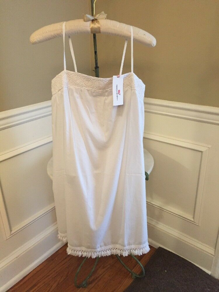 NWT Vineyard Vines  White Cap Shell Flower Embroidered Beach Dress Size M