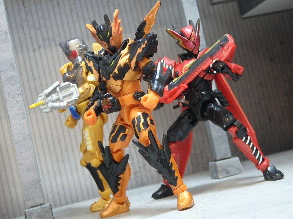 Japan Kamen Rider Build Shokugan So-do set Cross-Z Magma & Grease & RabbitRabbit