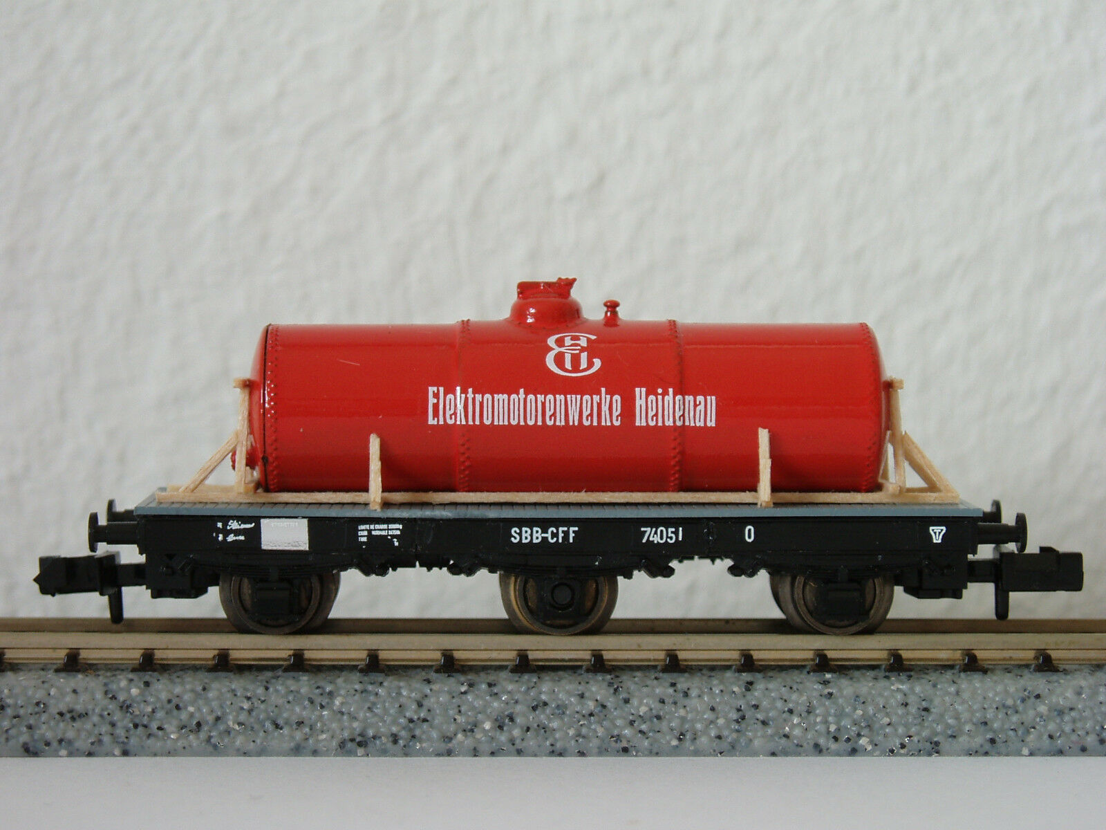 SBB O mit rojoem Tank 74051 (2512) JURETIC Handarbeitsmodell