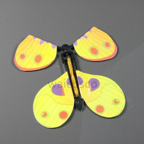 AMAZING PRANK BUTTERFLY FLYING FLUTTERING TOYS BIRTHDAY GIFT PARTY FILLERS CARD