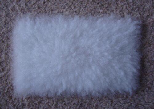 Échelle 1:12 fourrure blanche Tapis pour maison de poupées très réaliste