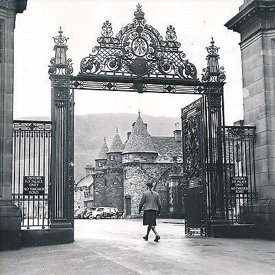 Écosse C. 1957 - Autos Écossais Palais De Holyrood Édimbourg - Div 10319 Vloeiende Circulatie En Pijn Stoppen