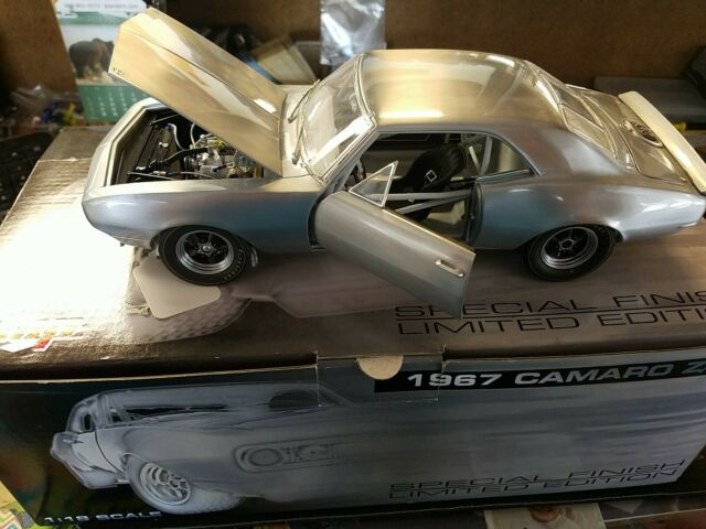 GMP 1/18 1967 Camaro Z28 (SPECIAL FINISH)