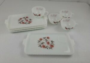 Retro-Fire-King-Ovenware-Fleurette-Red-Flower-Milk-Glass-4-Snack-Plates-4-Cups