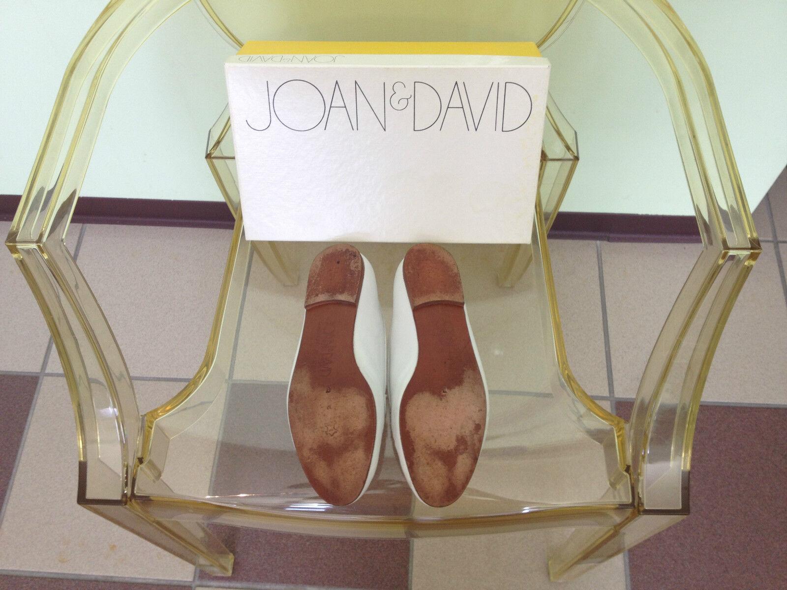 Para mujer Joan & David Hecho a Mano de Cuero Mocasines blancoo con encanto de Mano oro recortar tamaño 7M 7c390c
