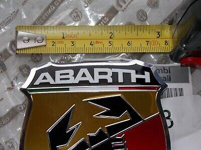 FIAT 500 C ABARTH ORIGINALE EMBLEMA LOGO incl PIASTRA di supporto 735496477-735496478