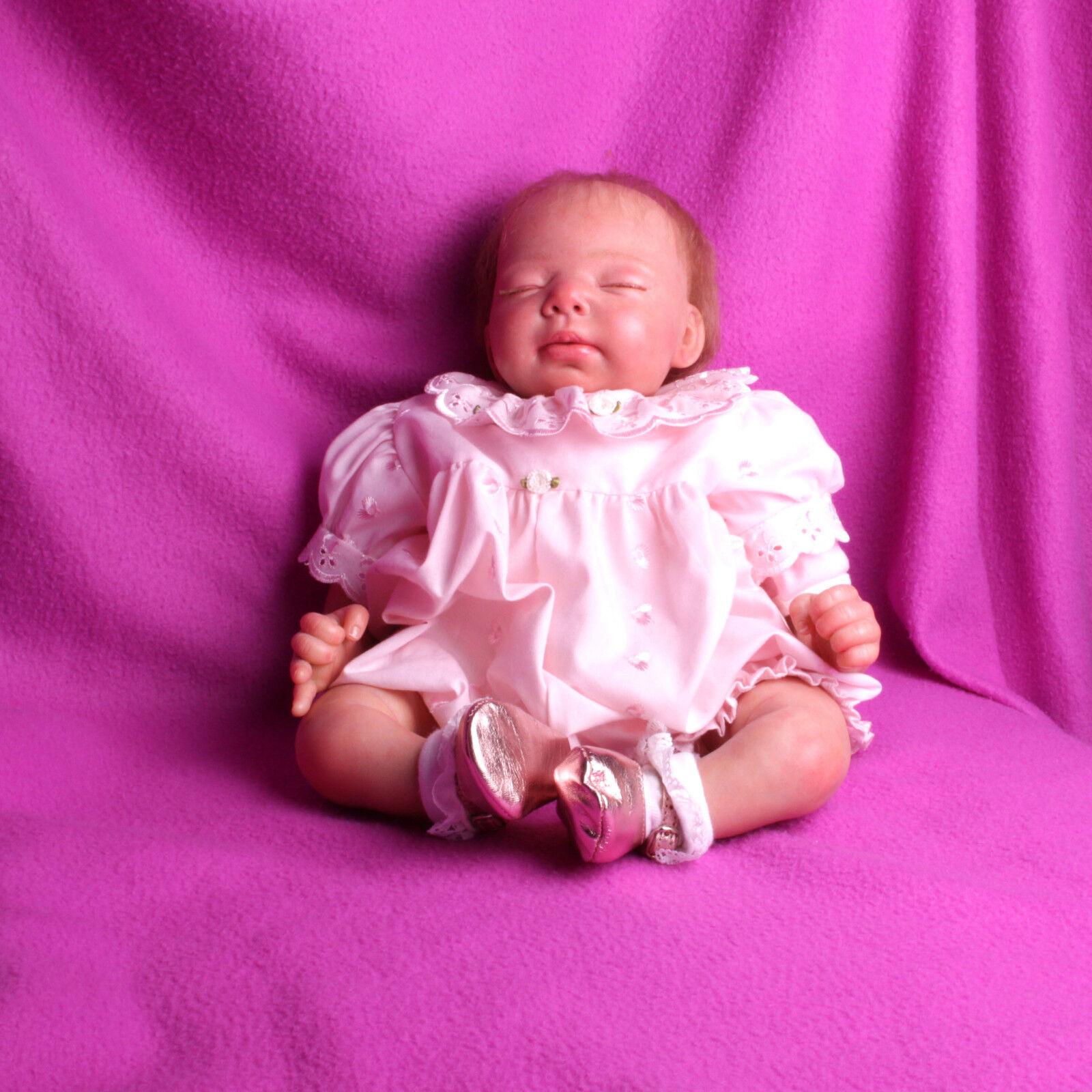 Reborn  poupée de collection poupon bébé modèle unique.