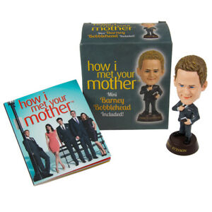 How-I-Met-Your-Mother-Mini-Kit-Barney-Stinson-Bobblehead-Book-TV-Merchandise