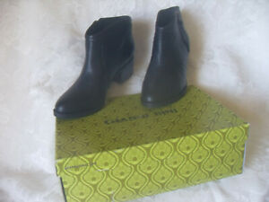 GIANNI-BINI-WOMEN-039-S-LEATHER-ANKLE-BOOTIE-Heels-SIZE-9M-99-00-New-with-box
