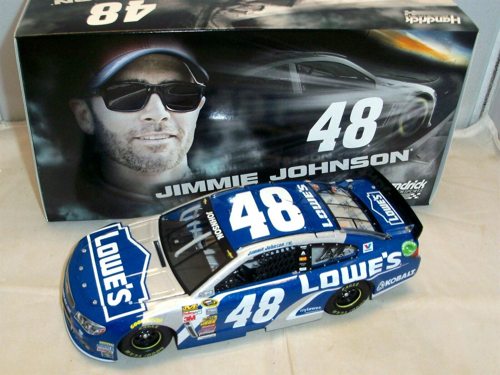 1 24 ACTION 2015  48 LOWE'S CHEVY SS JIMMIE JOHNSON NIB