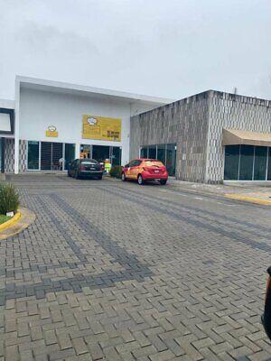 Se vende local comercial en PLAZA EL REAL, Av. Aviación, Zapopan, Jalisco