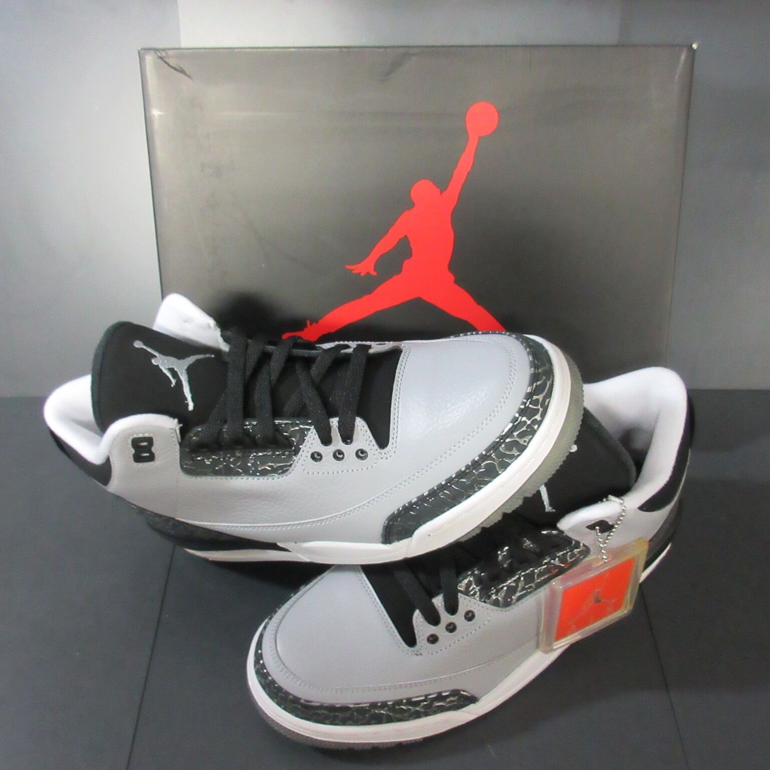 NIB RARE JORDAN RETRO III CEMENT SILVER BLACK WOLF GREY MEN 9.5 136064-004
