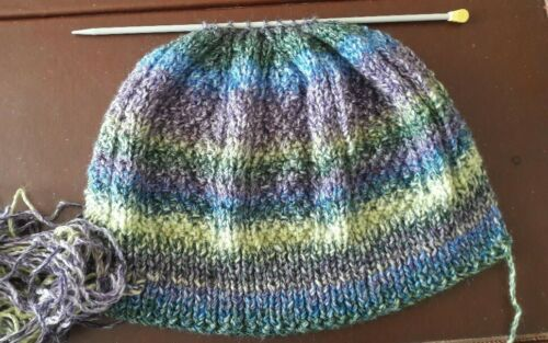 Femmes//Homme Chunky Cable Hat Knitting Pattern Easy straight Needles S//M par e-mail