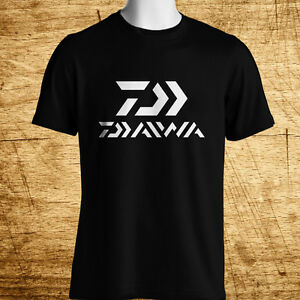 New-Daiwa-Fishing-Logo-Short-Sleeve-Men-039-s-Black-T-Shirt-Size-S-5XL
