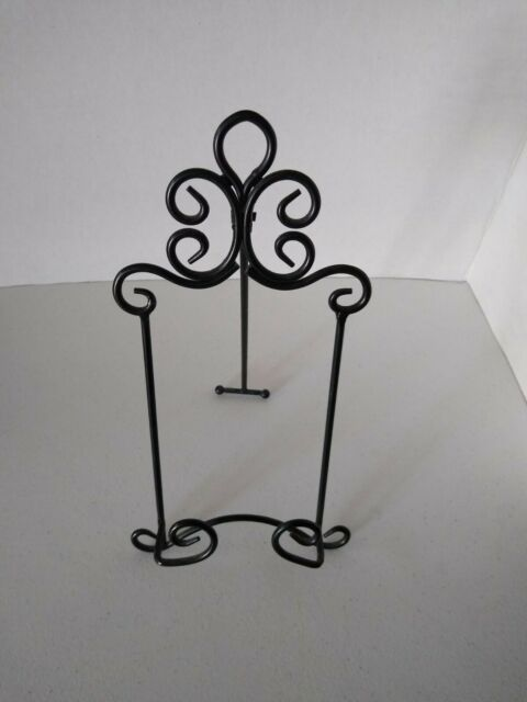 BRONZE AND BLACK METAL HORIZONTAL DECORATIVE 3 PLATE WALL MOUNT DISPLAY RACK