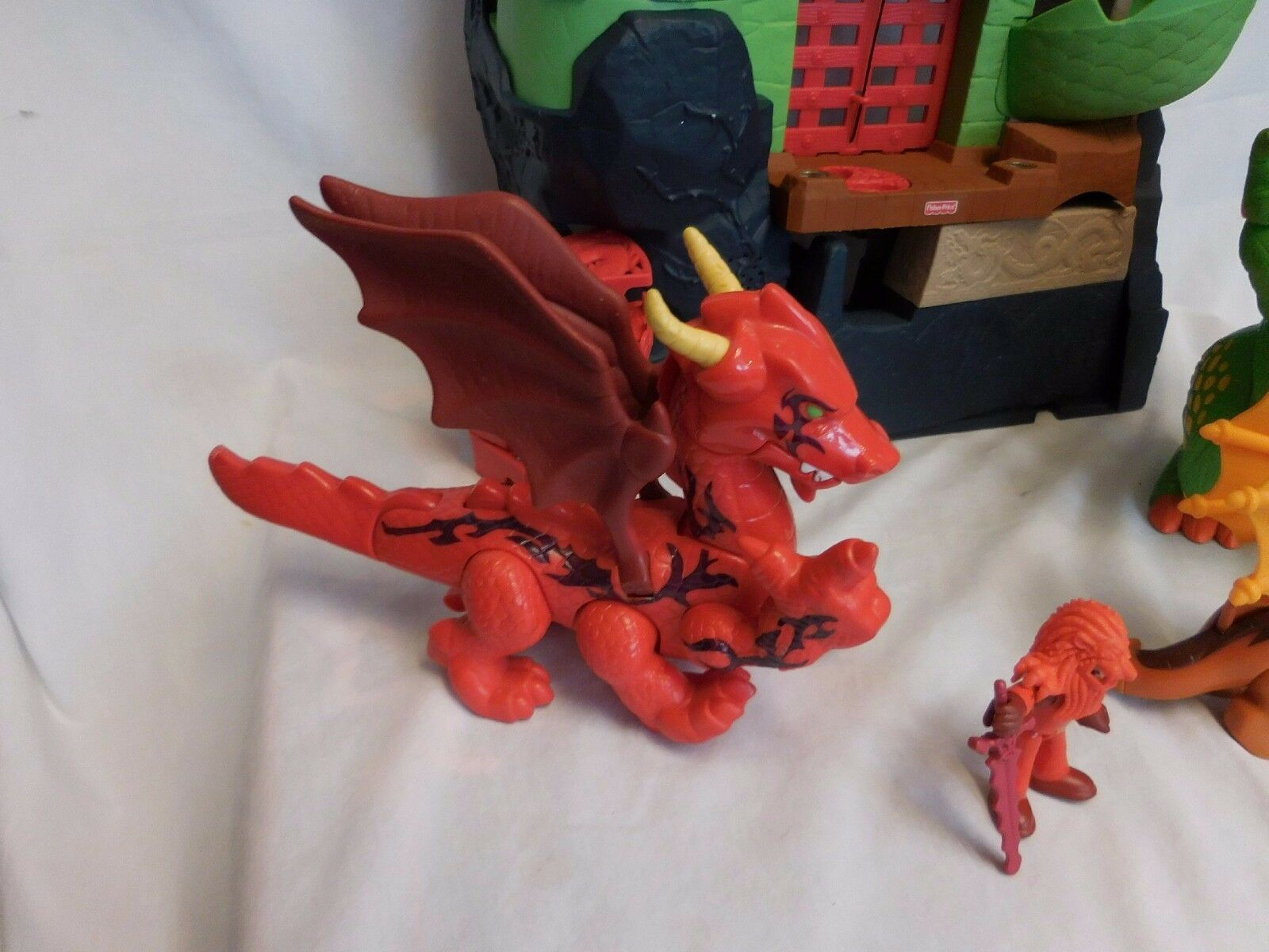 Fisher Price Imaginext dragon dragon dragon world castle fortress + 3 Dragons + Figure Lights e98f72
