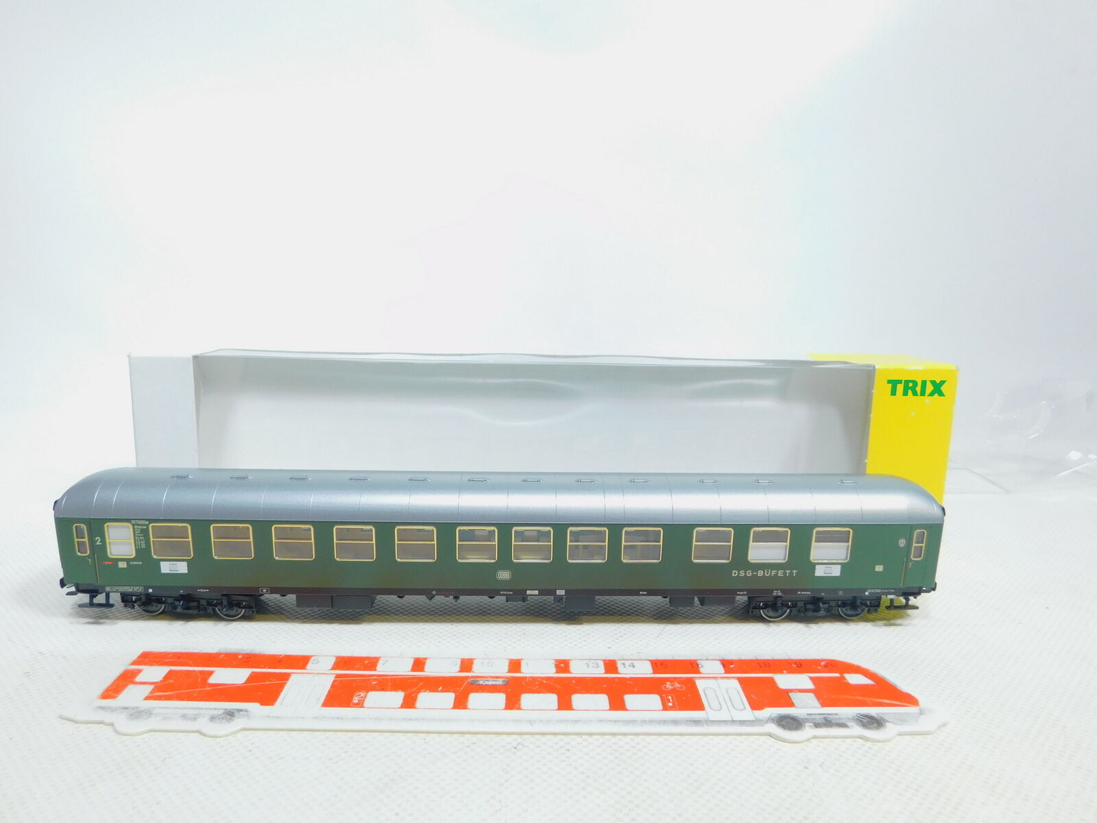 By128-0, 5 Trix h0 DC 23403 Carriage With Compartments Buffet Car