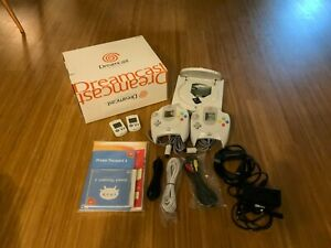 Sega-Dreamcast-modded-mit-SD-Card-with-all-games-Zubehoerpaket