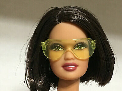 NEW BARBIE DOLL YELLOW OVERSIZED SUNGLASSES DOLL ACCESSORY
