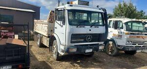 Mercedes-Tipper-1424-V8-diesel